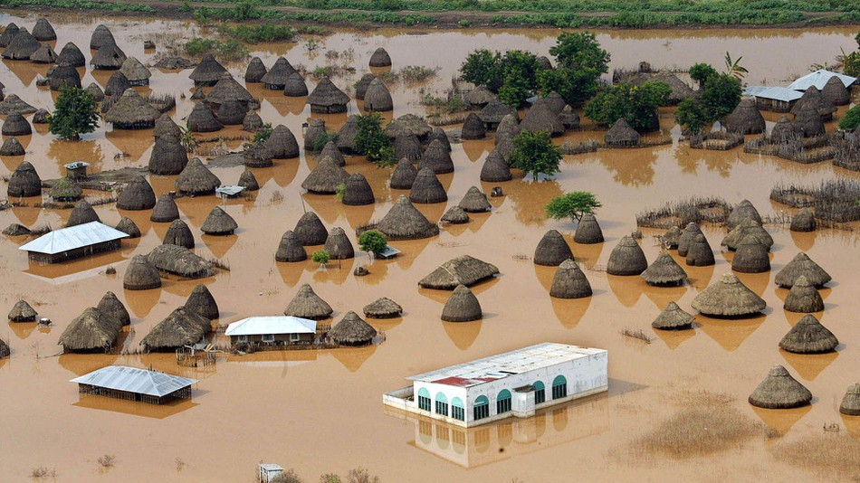 FIGHTING THE FLOODS IN KENYA